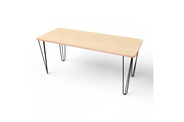 Стол прямоугольный с черными металлическими ножками