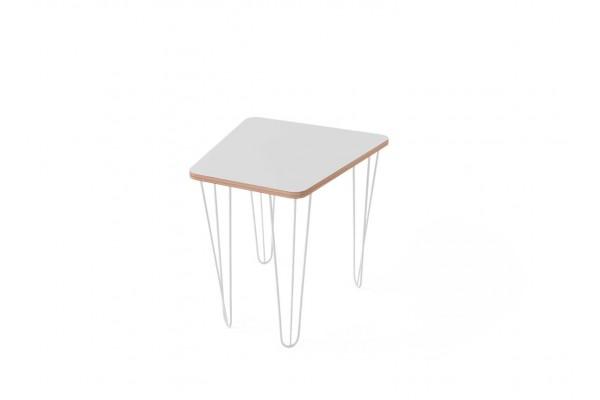 Стол трапеция малый с покрытием hpl-пластика и белыми металлическими ножками